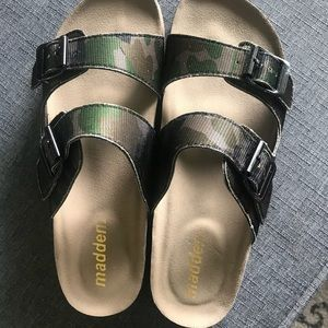 Camouflage Maddens